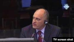 Tv isječak sa svjedočenja Richarda Higgsa, Hag, 18. avgust 2010