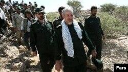 سردار صفوی می گوید که ما بارها به مقامات عراقی درباره فعالیت پژاک در خاک آن کشور هشدار داده بودیم.