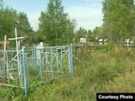 Новопавловка селосындағы христиан моласы. Петропавл, шілде, 2010 жыл.