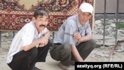 Жители Жанаозена. Иллюстративное фото.