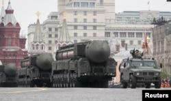 «Ярс РС-24» на параді 9 травня 2019 року у Москві