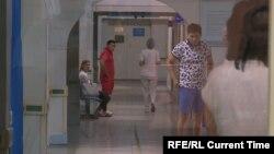 Пациенты в одной из больниц Алматы. Иллюстративное фото.