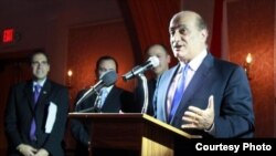 وليد فارس متحدثاً في الحفل السنوي