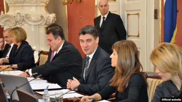 Čačić i Milanović na jednoj od sjednica vlade, siječanj 2012.