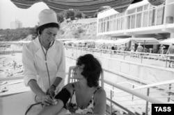 Не у всех предприятий были пансионаты у моря. Крым, 1977 год