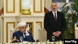 Prezident İlham Əliyev və Şeyxülislam Allahşükür Paşazadə. 20 iyun 2017