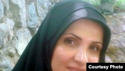 هنگامه شهیدی که در زمان انتخابات ریاست جمهوری مشاور مهدی کروبی از نامزدهای ریاست جمهوری بود به شش سال حبس محکوم شده است.