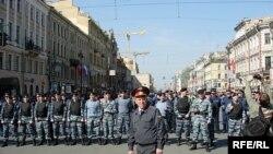Первый туристический батальон милиции всего из 50 человек появился в Петербурге только в мае 2008 года
