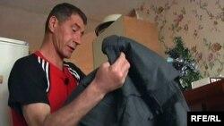 """Шахтер Андрей Тиморшин в 48 лет получает высшее образование, чтобы отказаться от шахтерской """"робы""""."""
