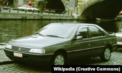 پژو ۴۰۵ در تابستان ۱۹۸۷ عرضه شد؛ در تصویر یکی از مدلهای سالهای اول این خودرو در بلژیک