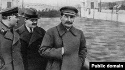 Ворошилов, Молотов, Сталин в 1937