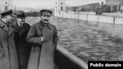 Иосиф Сталин, 1937