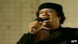 Муамар Каддафи во время одного из выступлений перед своими сторонниками