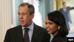 По мнению аналитиков, декларировать улучшение ситуации с правами человека в России Госдепартамент заставляет общая политическая ситуация