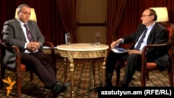 Armenia - Hrant Bagratian (L), an opposition candidate in the presidential election, is interviewed by Harry Tamrazian, director of RFE/RL's Armenian Service, Yerevan, 27Jan2013.