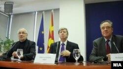 Прес-конференција на европратениците Едуард Кукан, Ричард Ховит и Иво Вајгл во Скопј