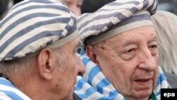 Колишні в'язні Освенціма під час заходів зі вшанування жертв Голокосту