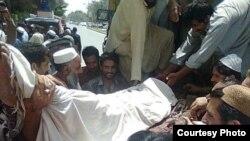 د خیبر پښتونخوا د سوات سیمې مړي دې کان کیندونکو مړي د کوټې روغتون ته ورسول شول، وروسته ګڼ شمیر مزدورانو د پښتونخوا ملي عوامي تر سیوري لاندي له دې مړيو سره د بلوچستان های کورټ مخې ته لاریون وکړ