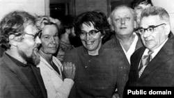 Слева направо: Сергей Ковалев, Татьяна Ходорович, Татьяна Великанова, Григорий Подъяпольский, Анатолий Левитин