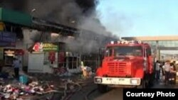 """Казакстан -- """"Бекжан"""" базарындагы өрт. Чымкент, 3-август, 2012."""