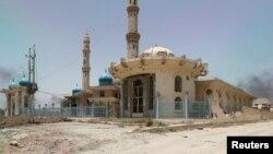 Фаллуджаның орталығындағы мешіт. Ирак, 20 маусым 2016 жыл.