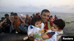 Грекияның Кос қаласына келген сириялық босқындар.