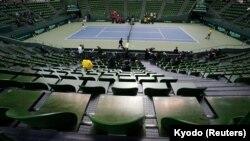 A Davis Cup selejtezője Japánban, a koronavírus miatt üres lelátóval. 2020. március 20. (Illusztráció)