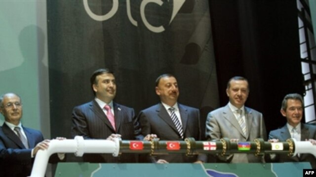 Azerbaijani President Ilham Aliyev (center) at the opening ceremony for the Baku-Tbilisi-Ceyhan (BTC) pipeline in 2006.