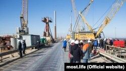 Строительство Керченского моста. архивное фото