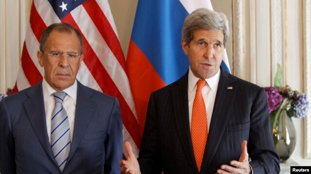 U.S. Secretary of State John Kerry and his Russian counterpart Sergey Lavrov have discussed the crisis in Ukraine.