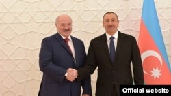 А.Лукашенко (слева) и И.Алиев