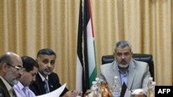 کابینه فلسطینی به ریاست اسماعیل هنیه در نوار غزه که تحت کنترل حماس است جلسات خود را تشکیل می دهد.