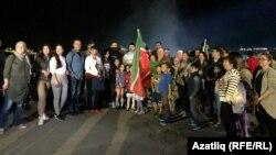 Ниагара янына җыелган татарлар