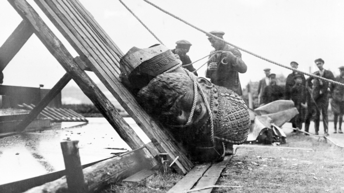 Falling Down: History's Toppled Statues And Monuments