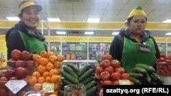 Астанадағы азық-түлік базарларының бірі. (Көрнекі сурет)