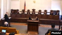 Armenia - Opposition leader Levon Zurabian speaks at a Constitutional Court hearing in Yerevan, 25Apr2017.