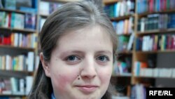 Moldova - Ana Petrov, reader met in Cartier Bookshop, 22April2009