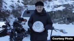 Қазақстанда болған ашаршылық туралы фильм түсіріп жатқан продюсер Ернар Маликов.