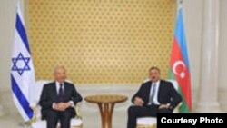 Ադրբեջան – Իսրայելի նախագահ Շիմոն Պերեսը եւ Ադրբեջանի նախագահ Իլհամ Ալիեւը, 28-ը հունիսի, 2009թ․