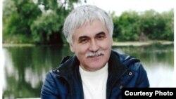 Рөстәм Сәрвәров