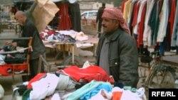 سوق لبيع الملابس المستعملة في المقدادية