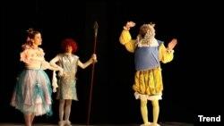 Gənc Tamaşaçılar Teatrında bir tamaşa.