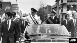 General Augusto Pinochet Santyaqoda dövlət çevrilişindən sonra, 1973