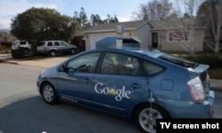 Google компаниясы көзі көрмейтін адамдарға өздігінен жүретін көлік жасап жатыр.