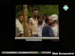 Zatočenici u logoru Trnopolje - dokazni materijal prikazan tijekom suđenja Karadžiću, 9. studeni 2011.
