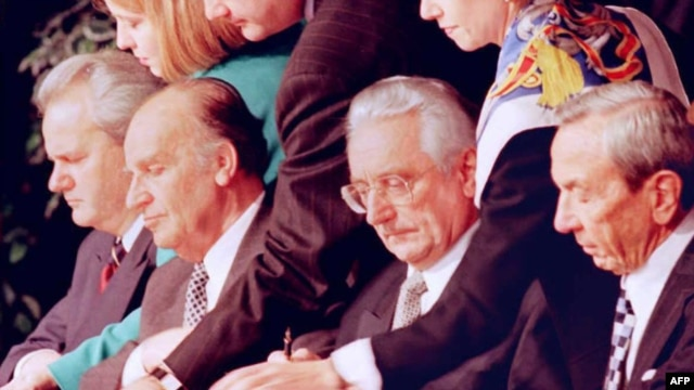 Warren Christopher, Franjo Tuđman, Alija Izetbegović i Slobodan Milosevic, Dayton, 21. novembar 1995.
