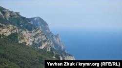 Второй дивизион объекта №100 находится в 6 километрах восточнее, в горах возле села Резервное