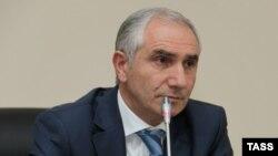На встрече с общественностью спикеру абхазского парламента задавались самые разные вопросы