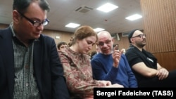 Left to right: Yury Itin, Sofia Apfelbaum, Aleksei Malobrodsky, and Kirill Serebrennikov at a court hearing (file photo)