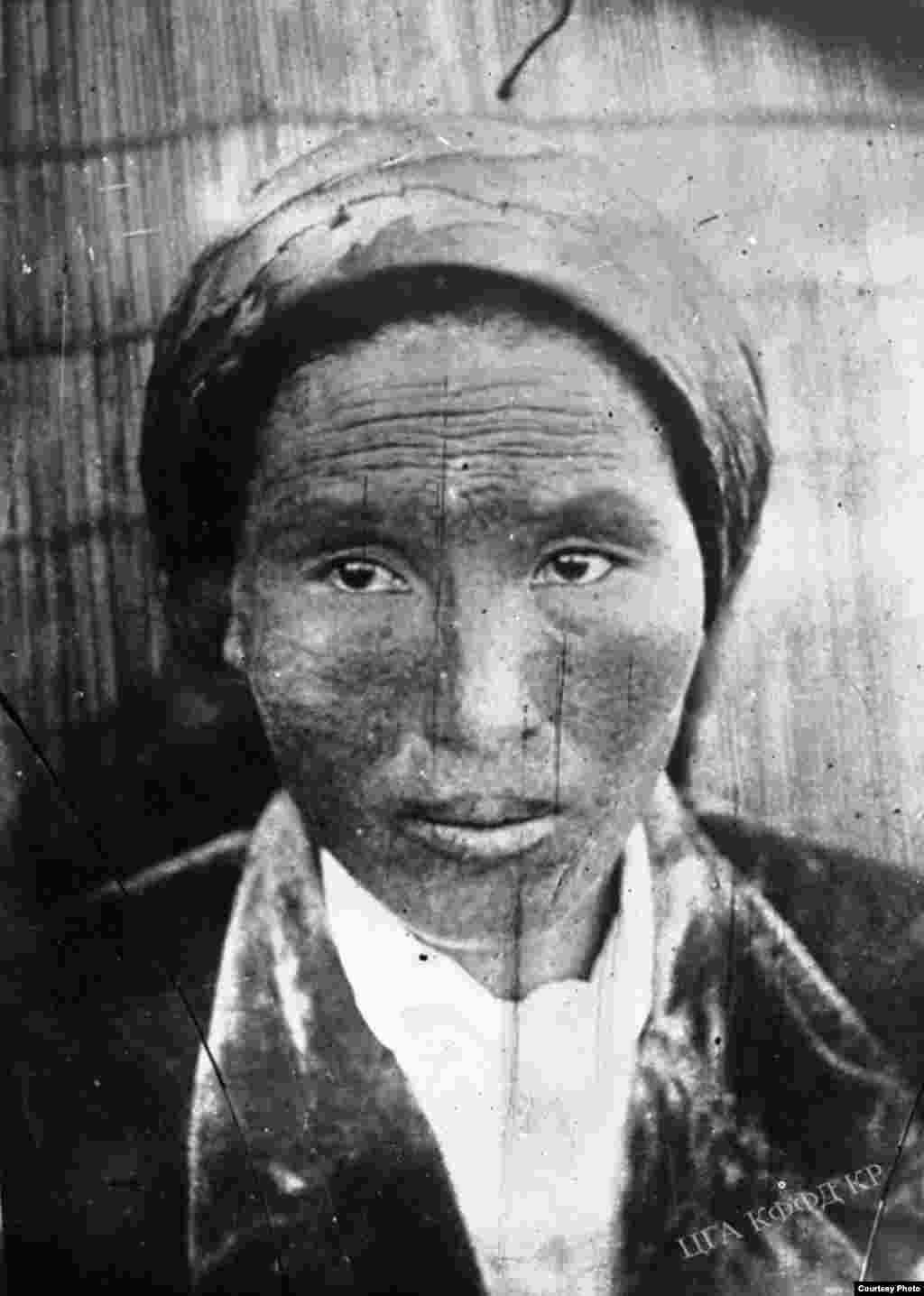 1916-жылдагы Үркүндү көргөн Алчалуу айылынын төрагасы. 1931-жыл.